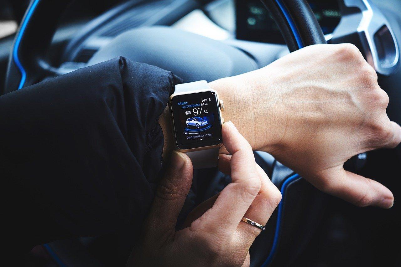 Zegarek z samochodem