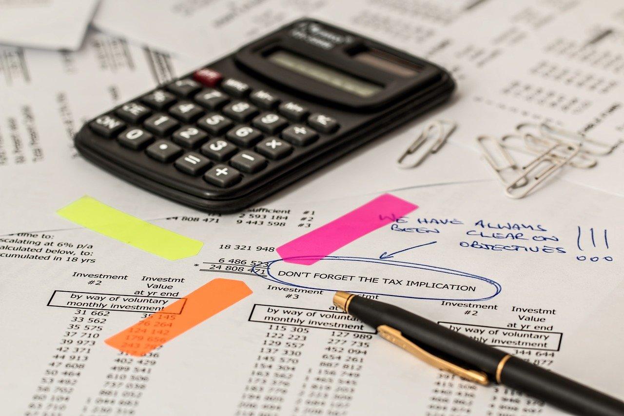 Kalkulator i notatka o podatku